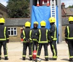 Curso de simulação de evacuação do prédio